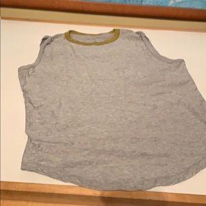 Sleeveless muscle tee shirt